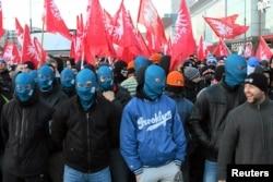 Праварадыкальныя ўдзельнікі шэсьця на Дзень незалежнасьці Польшчы, архіўнае фота