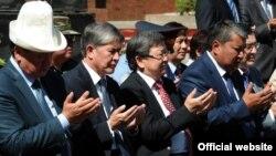 Қирғиз президенти Ўшда. 2012 йил¸ 10 июн.