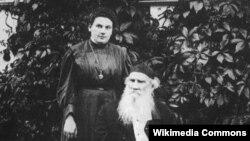 Лев Толстой с дочерью Александрой