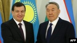 Өзбекстан президенті Шавкат Мирзияев Қазақстан президенті Нұрсұлтан Назарбаевпен кездесуінде. Астана, 23 наурыз 2017 жыл.