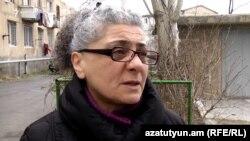 Հացադուլ հայտարարած ակտիվիստ Հովհաննես Ղազարյանի մայրը՝ Անահիտ Պետրոսյանը:
