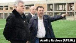 Хафиз Мамедов (справа), министр транспорта Зия Мамедов (слева)