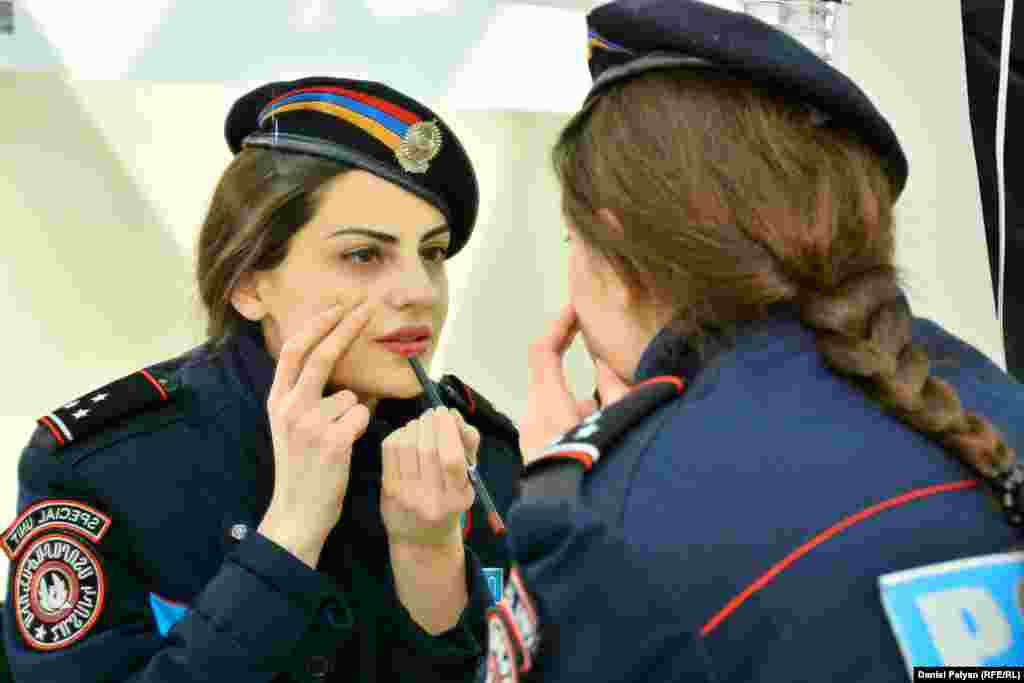An Armenian police woman