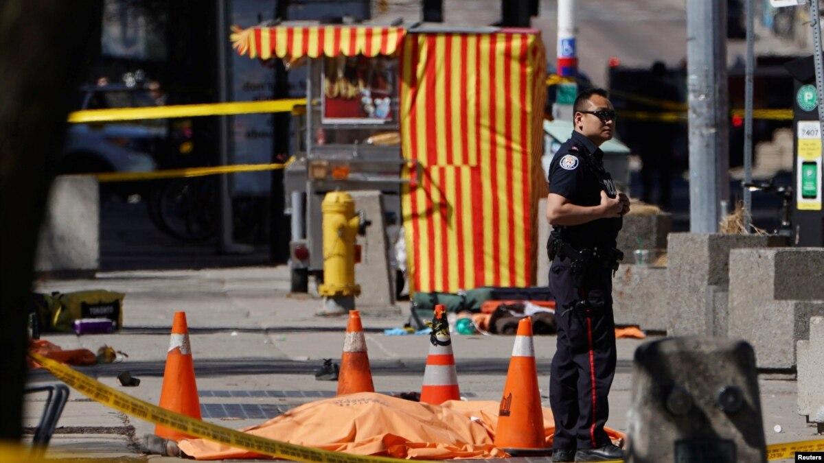 Власти Канады расследуют наезд на пешеходов в Торонто. Версия теракта не исключается