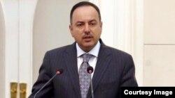 د افغانستان مالیې وزیر اکلیل حکیمي.