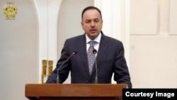 اکلیل حکیمی وزیر مالیۀ افغانستان