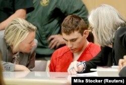 Nikolas Cruz, acuzat de uciderea premeditată a 17 persoane, Fort Lauderdale, Florida, 19 februarie 2018