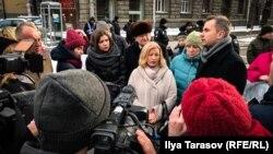 Ирина Геращенко вышла к протестующим на акции возле Администрации президента, 21 февраля 2018 года