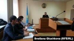Судебное заседание по делу о гибели Николая Кривенко в стенах столичного Центра медицинской и социальной реабилитации. Астана, 27 октября 2017 года.