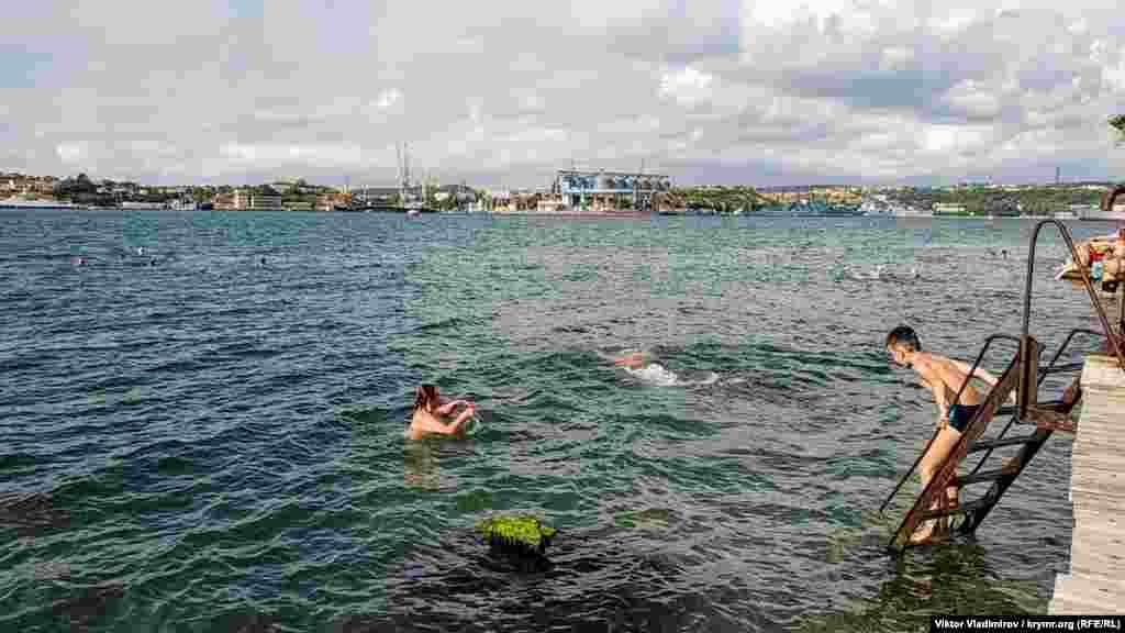 Территория условного пляжа – место не приспособленное для купания