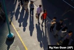 Qytetarët në Hong Kong duke pritur në radhë para qendrave të votimit. Hong Kong, 24 nëntor, 2019.