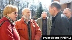 Валеры Шчукін (у цэнтры)