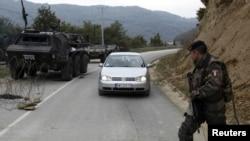 Put prema graničnom prelazu između Srbije i Kosova, Brnjak, oktobar 2011