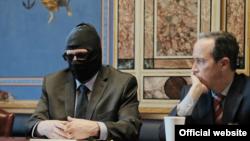 Григорий Родченков (слева) на встрече с американскими сенаторами. Вашингтон, 23 марта 2018 года.