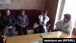 Armenia -- Local Council meeting in Antarashen, 08Mar2016