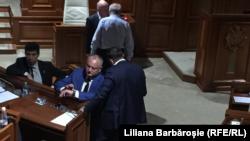 Moldova - președintele Igor Dodon in Parlament, la sedința extraordinară convocată de socialiști și Blocul ACUM, 8 iunie 2019