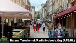 Кількість хворих на COVID-19 від початку епідемії на Львівщині становить 3227 людей