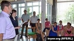 В Херсонській обласній науковій бібліотеці відкрилися курси кримськотатарської мови