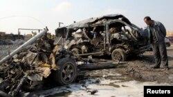 На місці вибуху в багдадському районі Кадімія, 8 лютого 2013 року