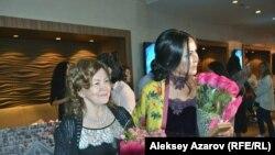 Писательница Рима Филиппова и режиссер Айгуль Аксамбиева. Алматы, 17 мая 2017 года.
