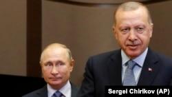 Presidenti rus, Vladimir Putin dhe ai turk, Recep Tayyip Erdogan. Fotografi nga arkivi.