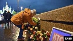 На месте убийства Бориса Немцова в центре Москвы