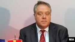 Известувачот за Македонија во ЕП Ричард Ховит