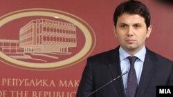 Поранешниот министер за транспорт и врски Миле Јанакиески