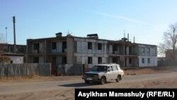 В поселке Кенгир на краю города Жезказган. 29 октября 2013 года.