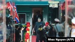Прибытие лидера КНДР во Вьетнам на бронированном поезде (архивное фото)