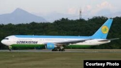 Самолет авиакомпании «Узбекистон хаво йуллари».