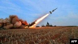 Солтүстік Корея ұшырған зымыран. 1 қараша 2013 жыл. Көрнекі сурет.