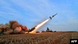 Солтүстік Корея ұшырған зымыран (Көрнекі сурет).