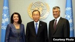 Presidentja e Kosovës Atifete Jahjaga, Sekretari i Përgjithshëm i OKB-së, Ban Ki-Mun dhe kryeministri Hashim Thaçi, Nju Jork.