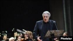 Armenia -- Plasido Domingo's concert in Yerevan. 03 DEc., 2010.