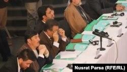 شماری از نماینده های دسته های انتخاباتی در نشست معلوماتی که کمیسیون انتخابات در مورد کارکرد هایش در کابل برگزار کرده بود.