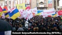 На мітингу в Івано-Франківську, 28 березня 2013 року: всі куплені?