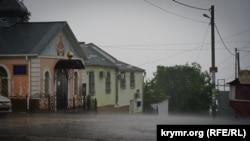 Раніше внаслідок негоди і паводків 150 населених пунктів тимчасово лишилися знеструмленими