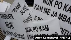 Protestë simbolike në Ditën Ndërkombëtare të Punëtorëve, Prishtinë 1 Maj 2016