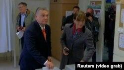 Премьер-министр Венгрии Виктор Орбан на избирательном участке. 8 апреля 2018 года.