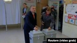 Правий прем'єр-міністр Угорщини Віктор Орбан заявив про «історичну» перемогу