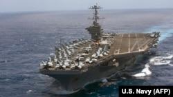"""Авианосец ВМФ США """"Гарри Трумэн""""."""