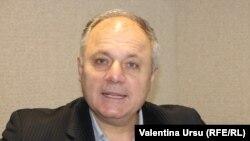 Gheorghe Furdui în studioul Europei Libere la Chișinău