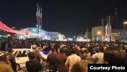 За повідомленнями, це відеокадр із акції протесту в місті Бандар-е-Махшагр, 6 січня 2018 року