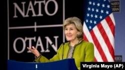 Посол США в НАТО Кей Бейлі Гатчісон