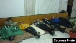 Голодовка кандидатов в депутаты в городе Лермонтов. 21 февраля 2012 г