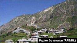 Кенхи – древнее чеченское село, основанное тейпом Чарой и принадлежавшее затем выделившемуся из него тейпу Кенхой