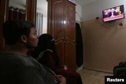 Палестинцы в секторе Газа следят за новостями о соглашении Израиля и ОАЭ. 13 августа 2020 года
