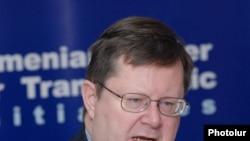 NATO-nun Baş katibinin Cənubi Qafqaz üzrə xüsusi nümayəndəsi Robert Simmons