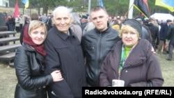 Ветеран Іван Рухер з родиною